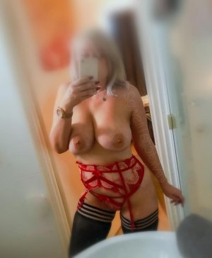 Hildegard escort girl