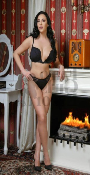 Margarethe escort girl