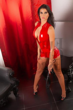 Shaden live escort in Malibu