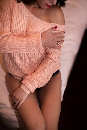 Cindelle live escorts, nuru massage